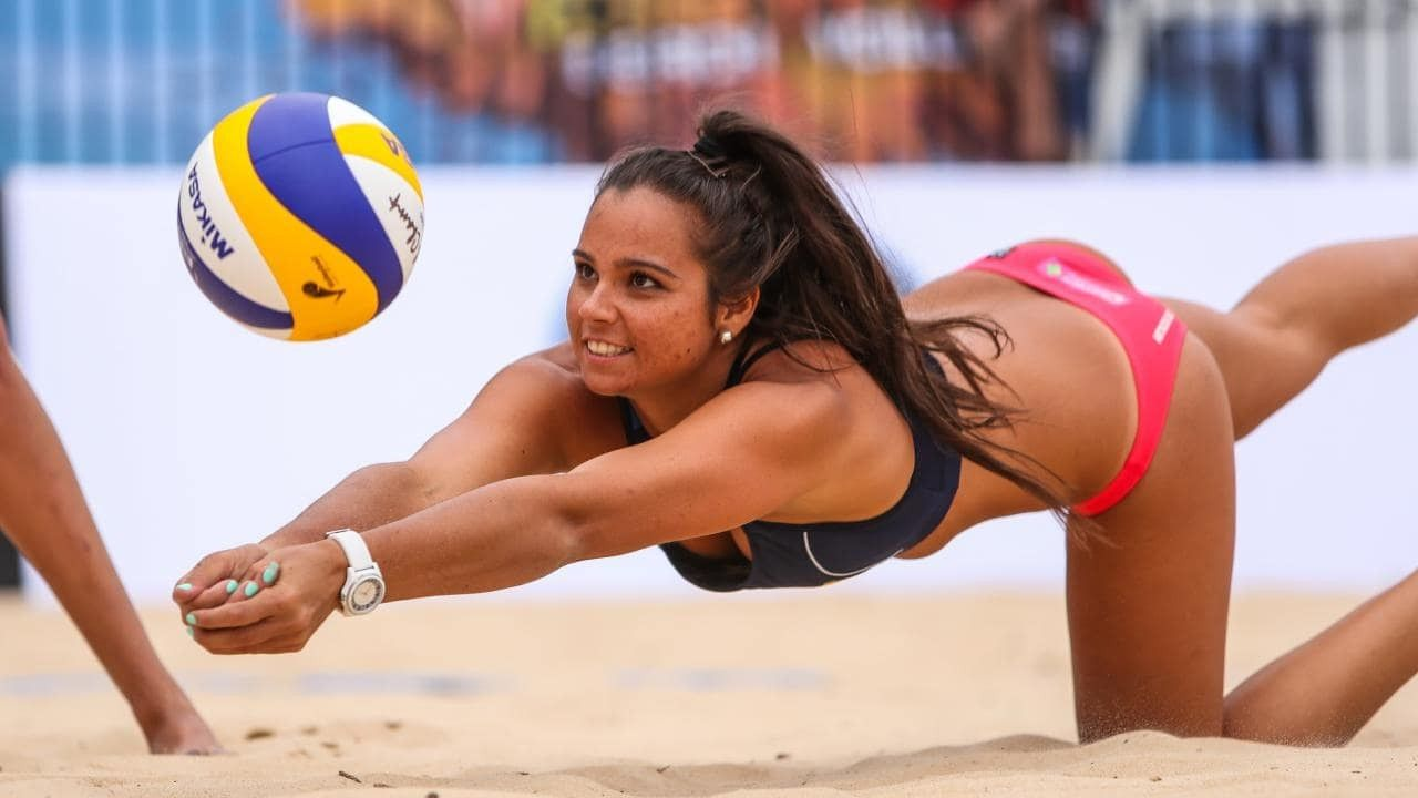 10 Of The Hottest Professional Beach Volleyball Stars In The World Beach Volleyball Sports Volleyball