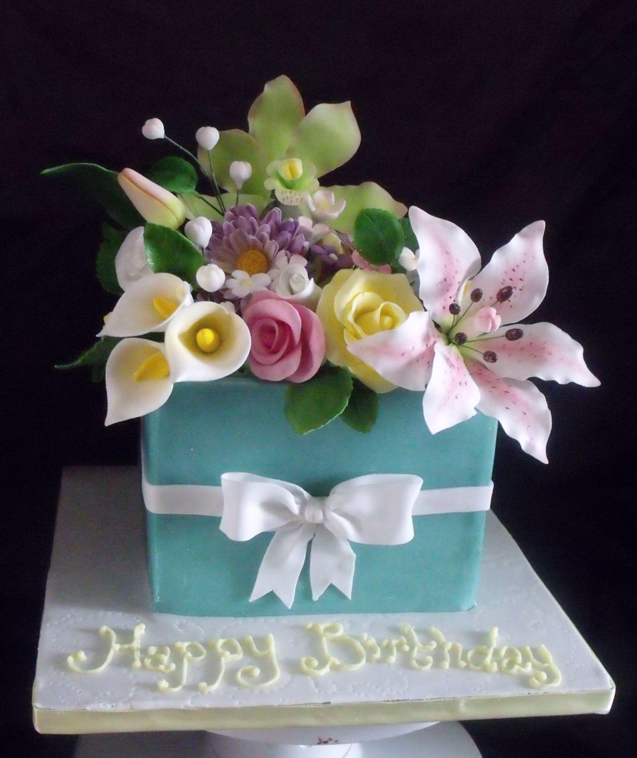 Como fazer flores para decorar um bolo passo a passo sugar flowers bolo com flores izmirmasajfo Image collections