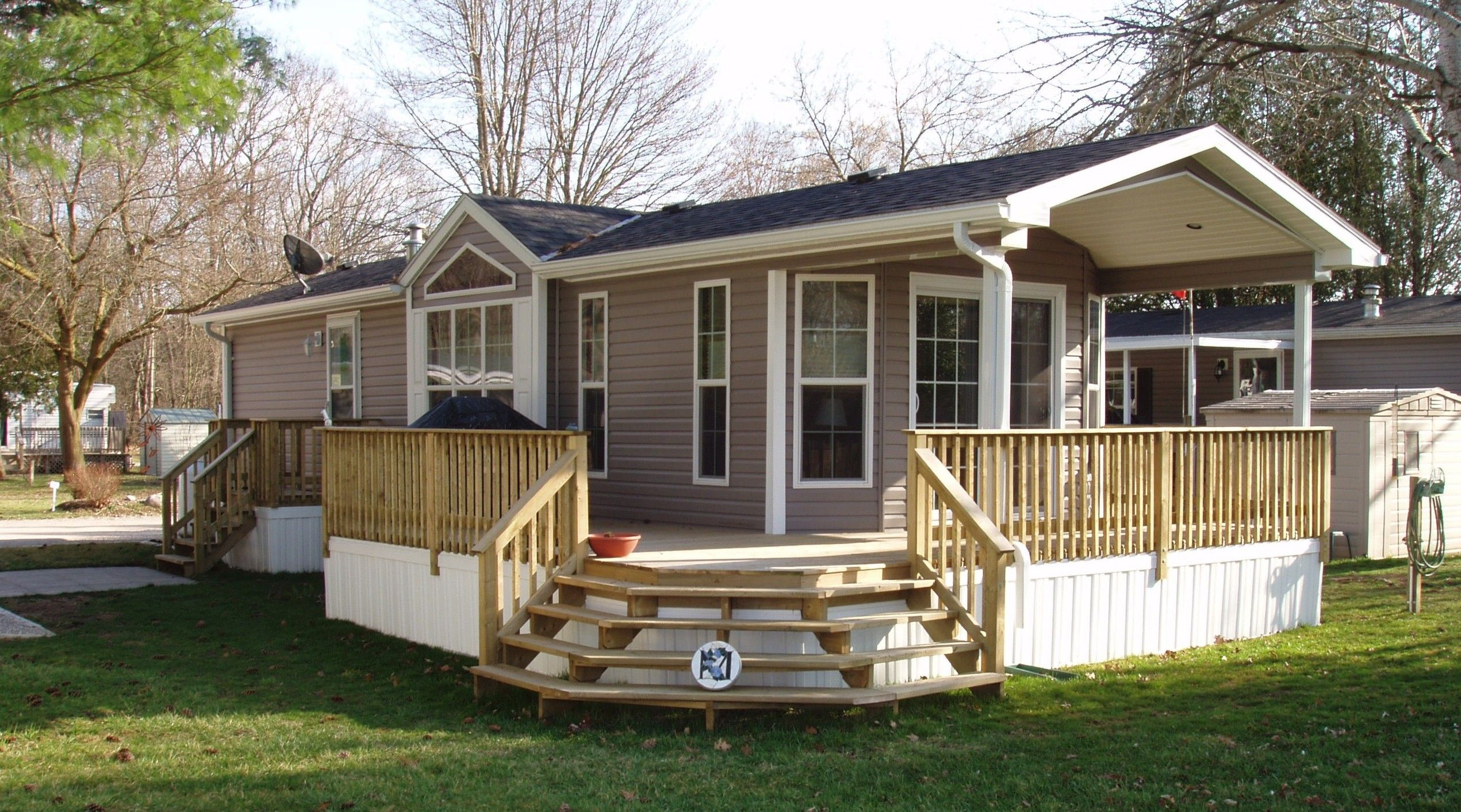 800 Sq Ft Mobile Homes The Regina Single Wide Open Concept One Bedroom Small Mobile Home Porch Manufactured Home Porch Mobile Home Deck