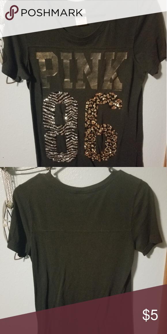 798933b62b852 T shirt Black vs tshirt casual every day wear Victoria's Secret Tops ...