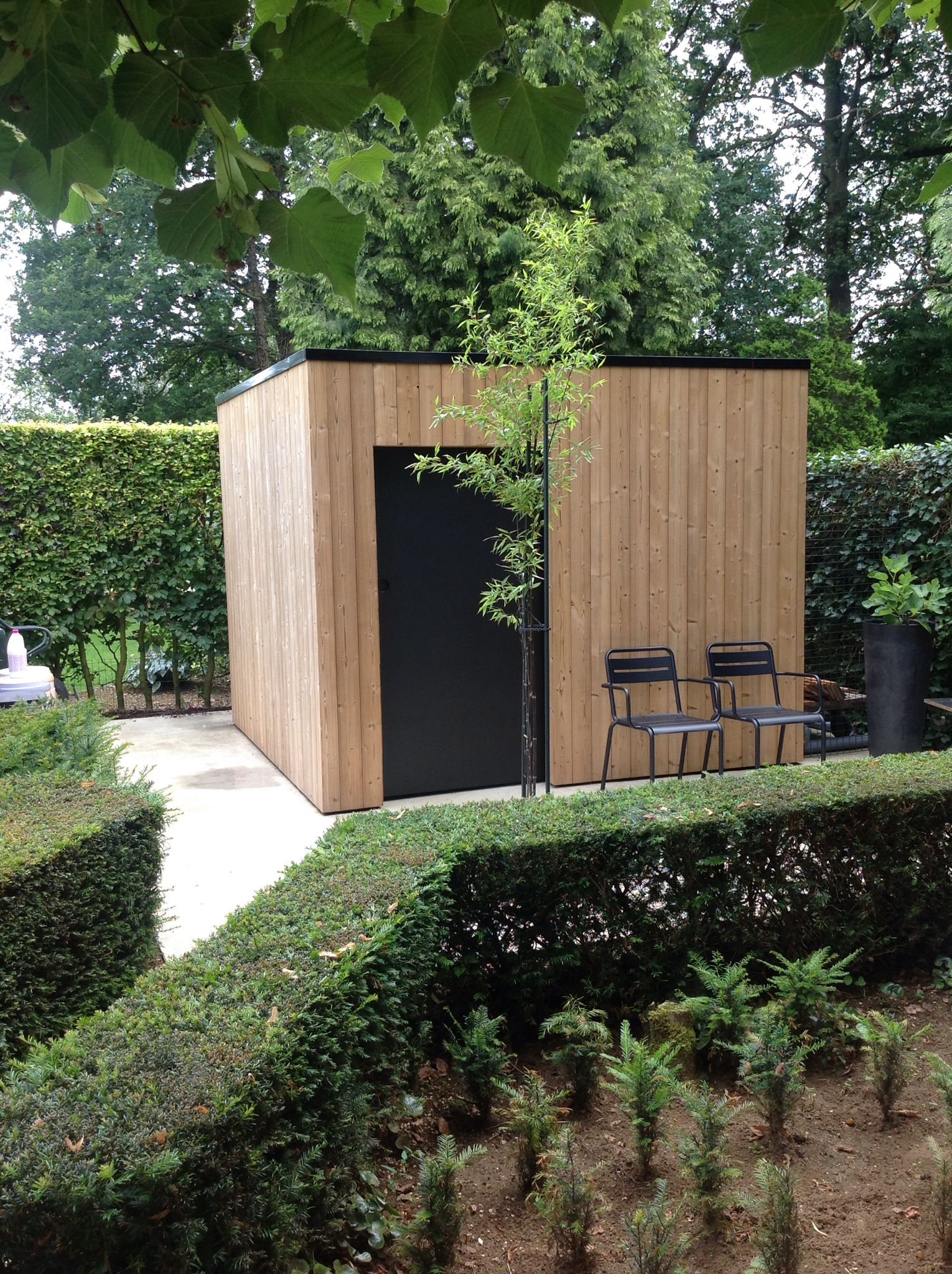Tuinhuis thermowood buiten constructie pinterest jardins cabane jardin et abri de jardin - Sauna exterieur jardin moderne ...