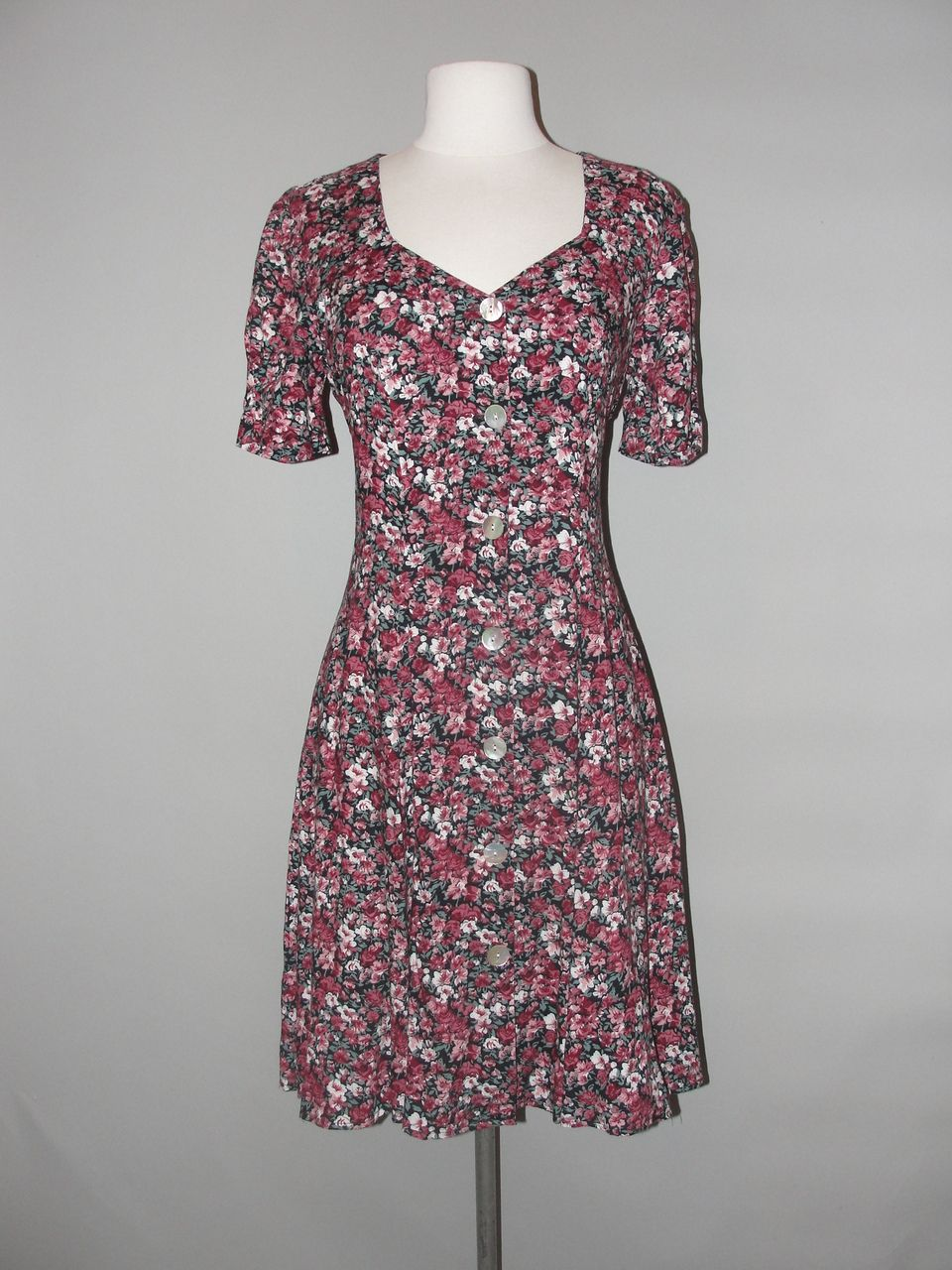 438c05d0f9d Wholesale Vintage Clothing - Vintage 80 s 90 s mini floral dress WHOLESALE  BULK
