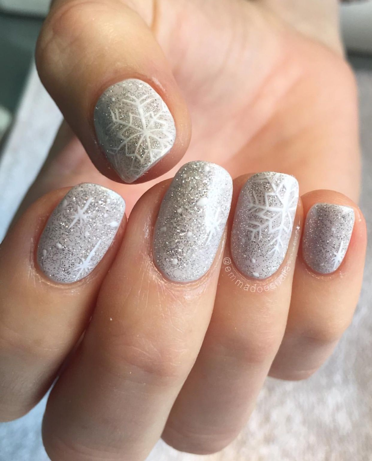 Christmas Acrylic Nails Grey: Emmadoesnails Winter Nails Christmas Nails Snowflake Nails