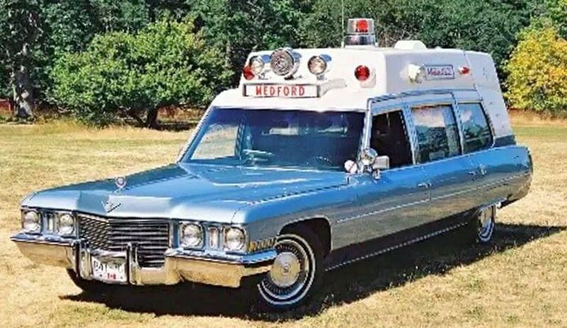 Pin by k m on ambulances in 2020 american ambulance