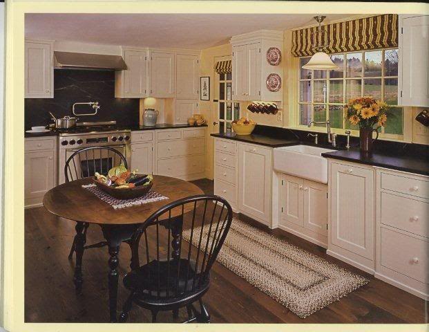 Some cabinets without toe-kick....I like! | Kitchens ...