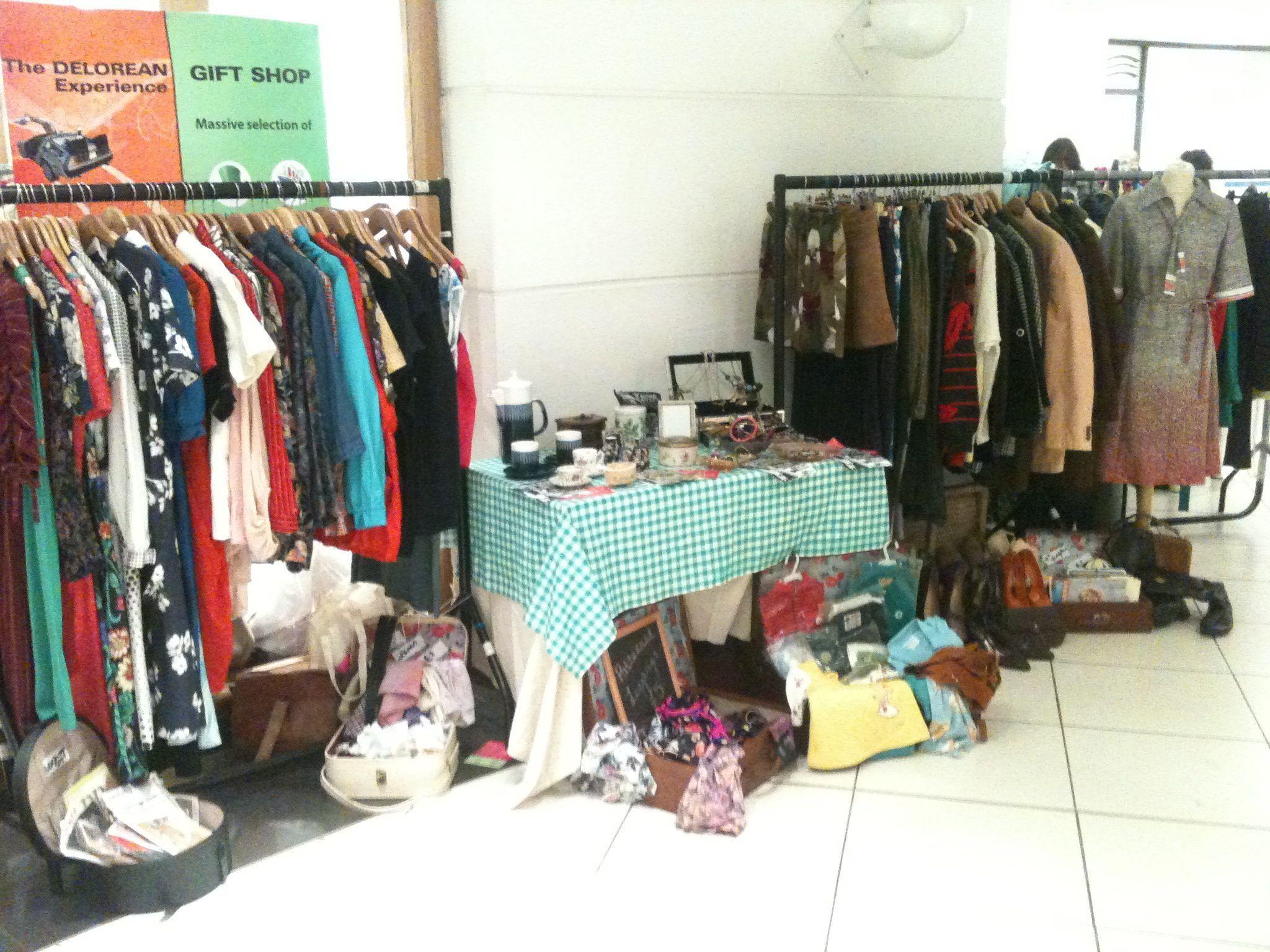 Vintage Clothing Market Stall Vintage Market Creative Booths Market Stalls