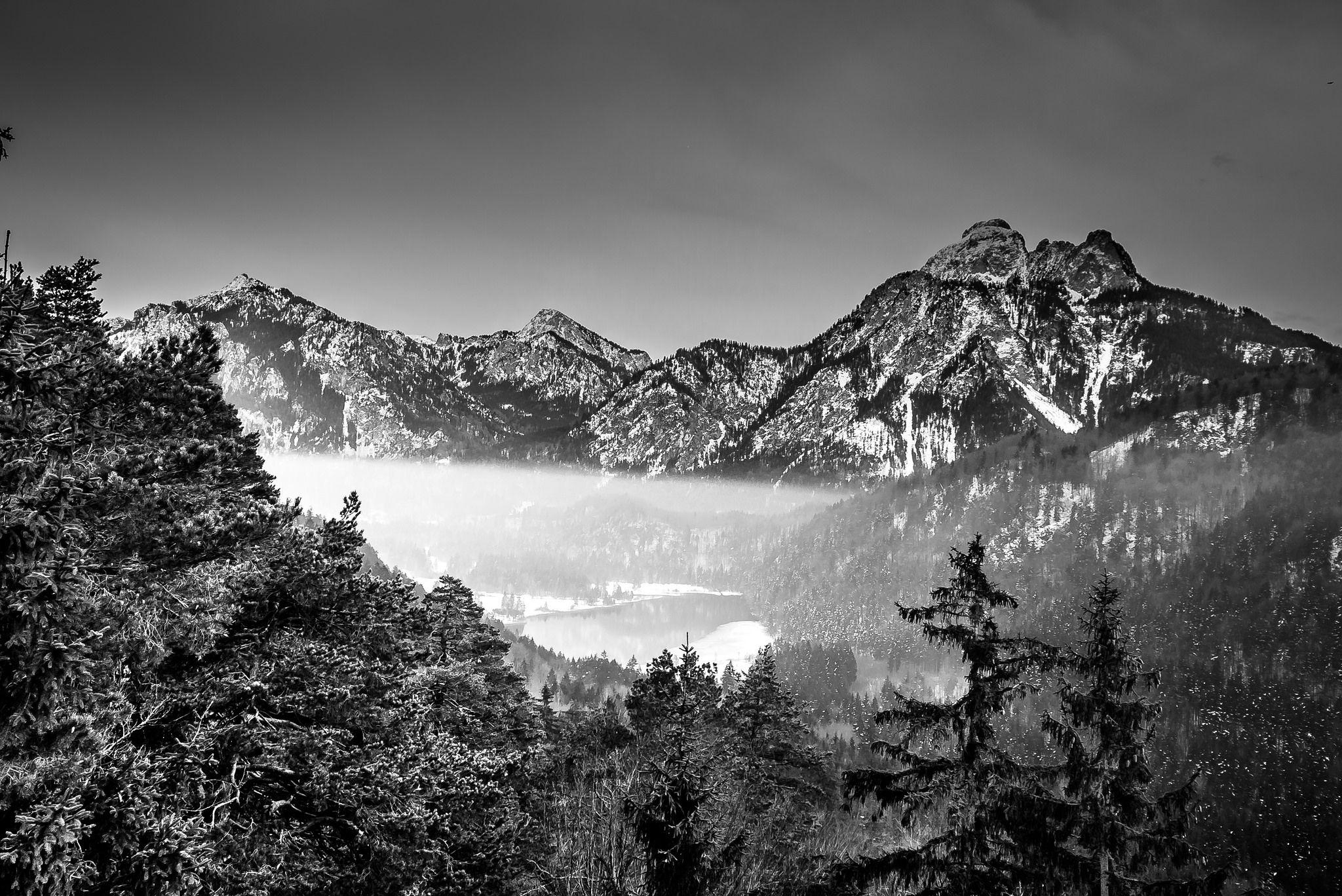 https://flic.kr/p/E1QQaF | Misty mountains | Hohenschwangau Neuschwanstein