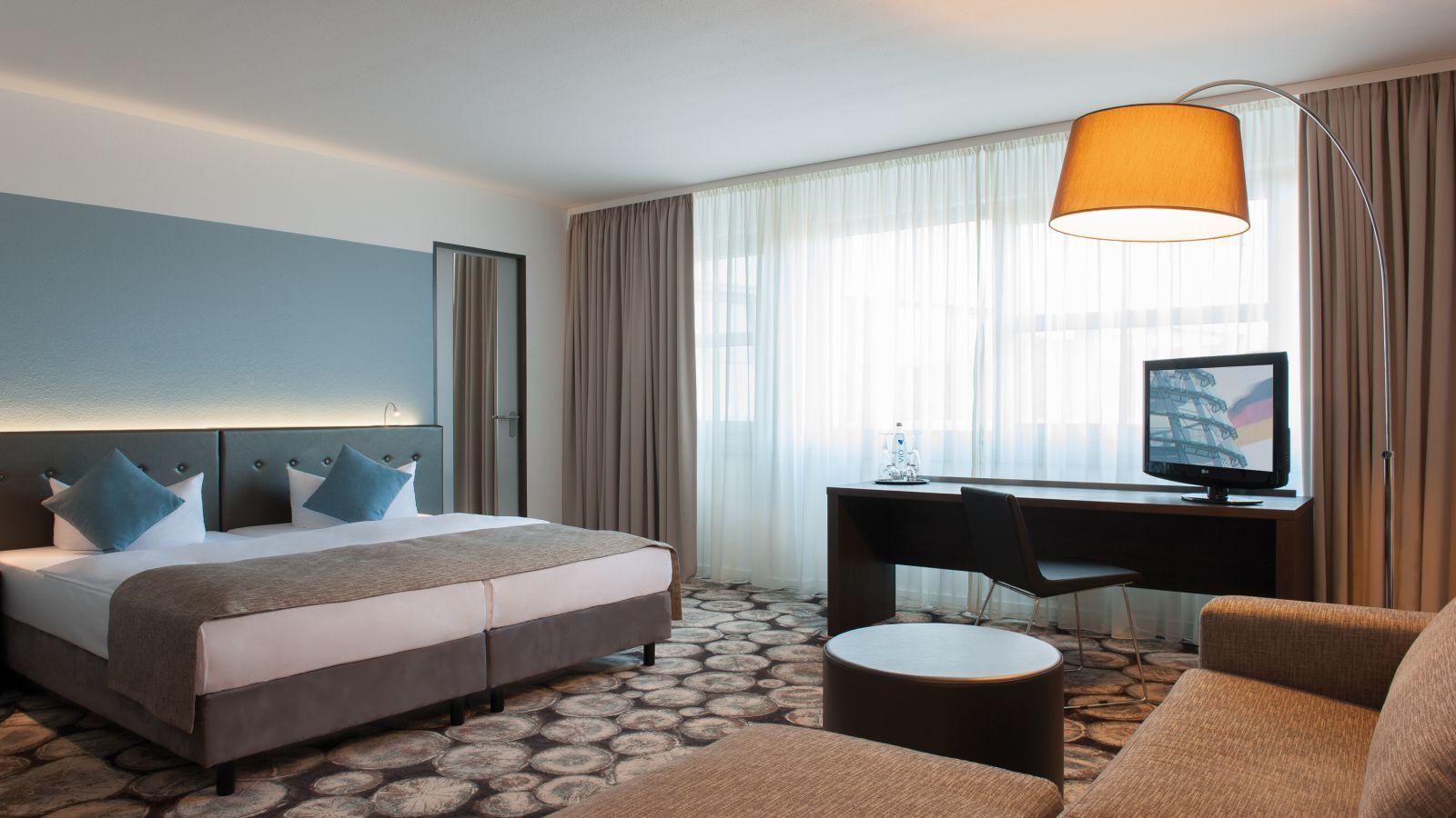 Berlin Tegel Gunstig Ubernachten 3 Sterne Superior Hotel Deluxe Zimmer Deluxezimmer Unsere Renovierten Deluxe Zim Gunstig Ubernachten Design Und Modernes Design