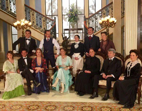 48 El Hotel De Secretos Ideas Telenovelas Gran Hotel Spanish Tv Shows