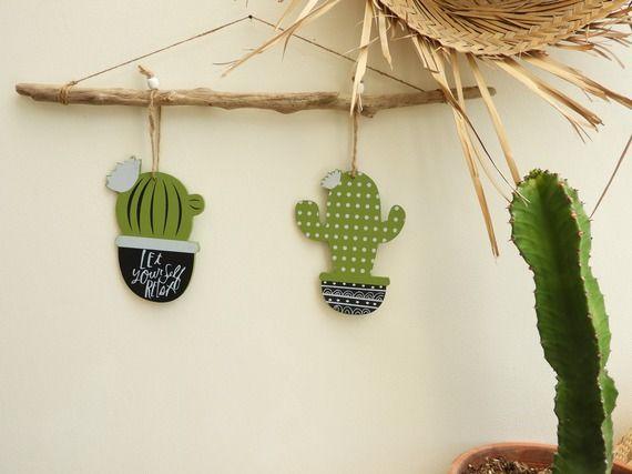 Suspension déco cactus bois vert Botones Pinterest