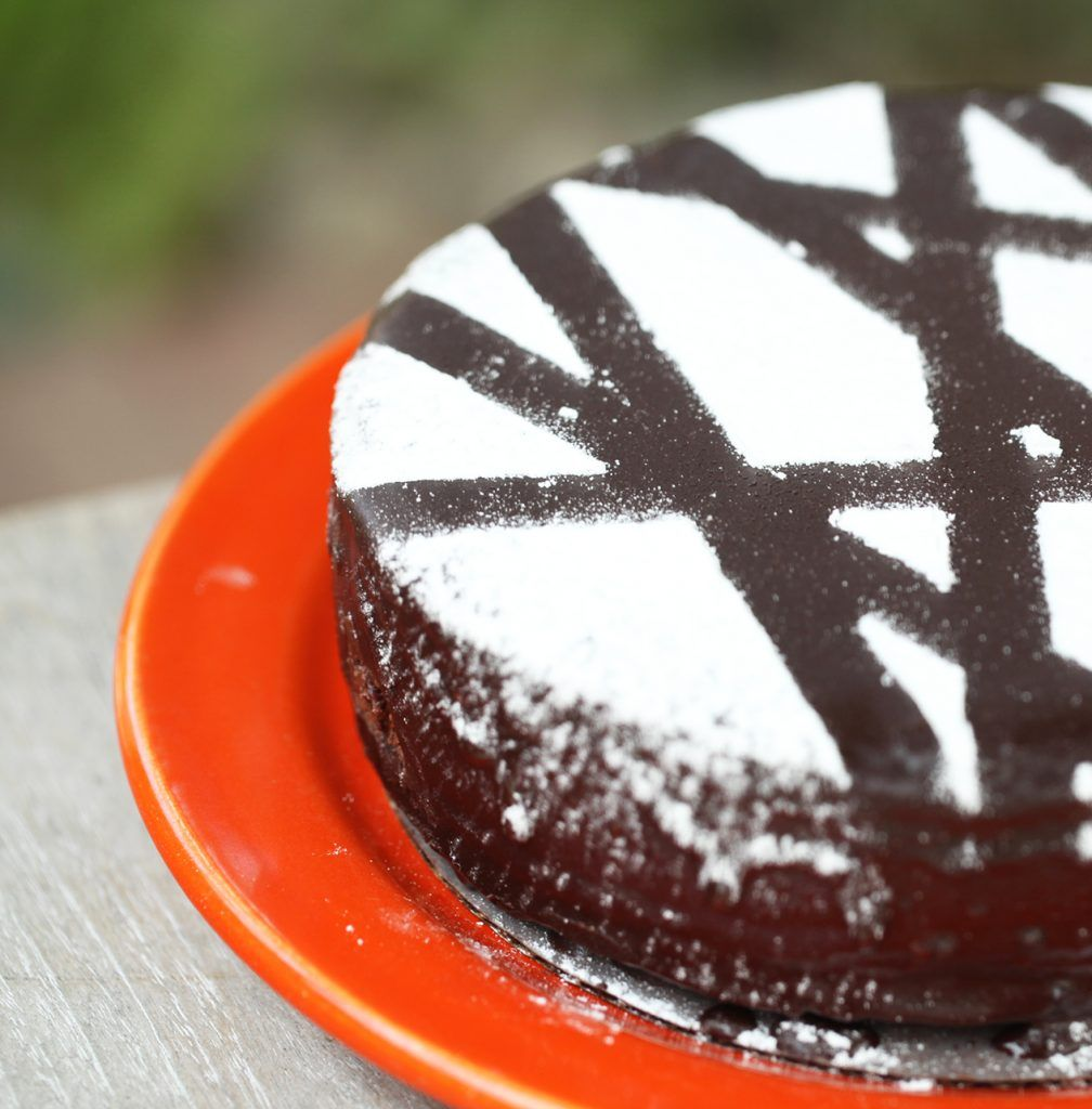 How To Make Powdered Sugar Stencils With Images Cake Yummy