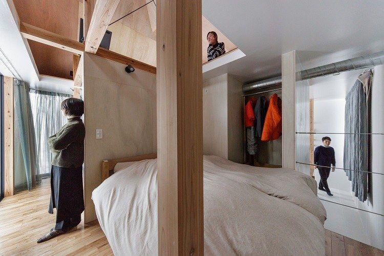 Petite terrasse en bois dune cabane japonaise hors de lordinaire