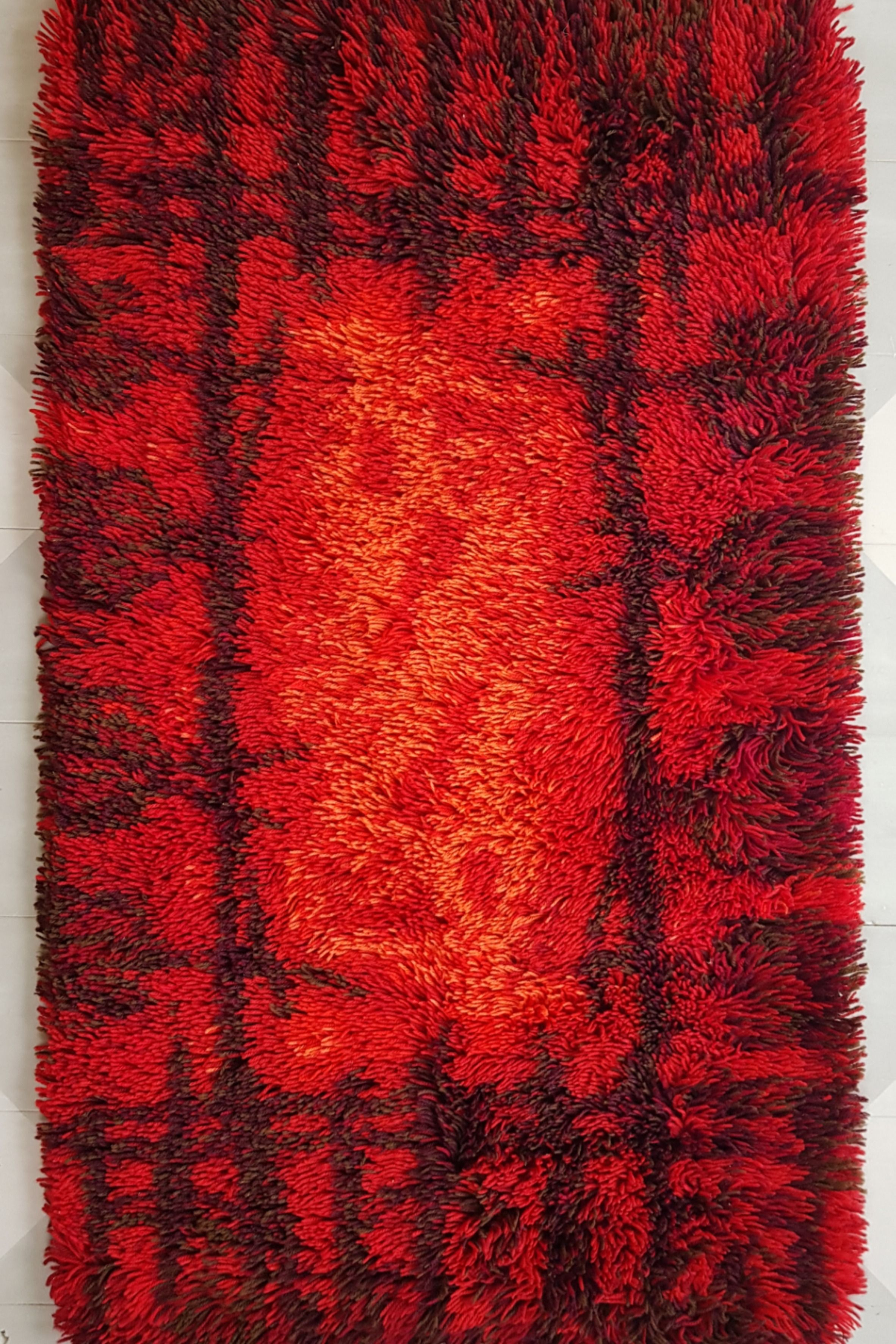 Fire Patterned Scandinavian Style Rya Rug From Carnival Firth England 1960s 44x26 Inches 100 Wool In 2020 Rya Rug Scandinavian Style Scandinavian