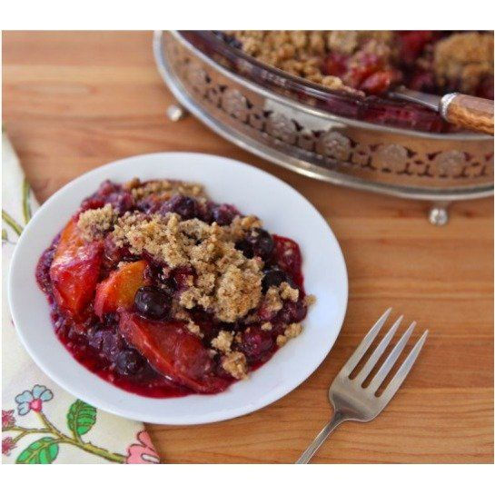 Peach and Blueberry Crisp with cinnamon, toasted pecans, tapioca,, and more. Recipe via @toriavey