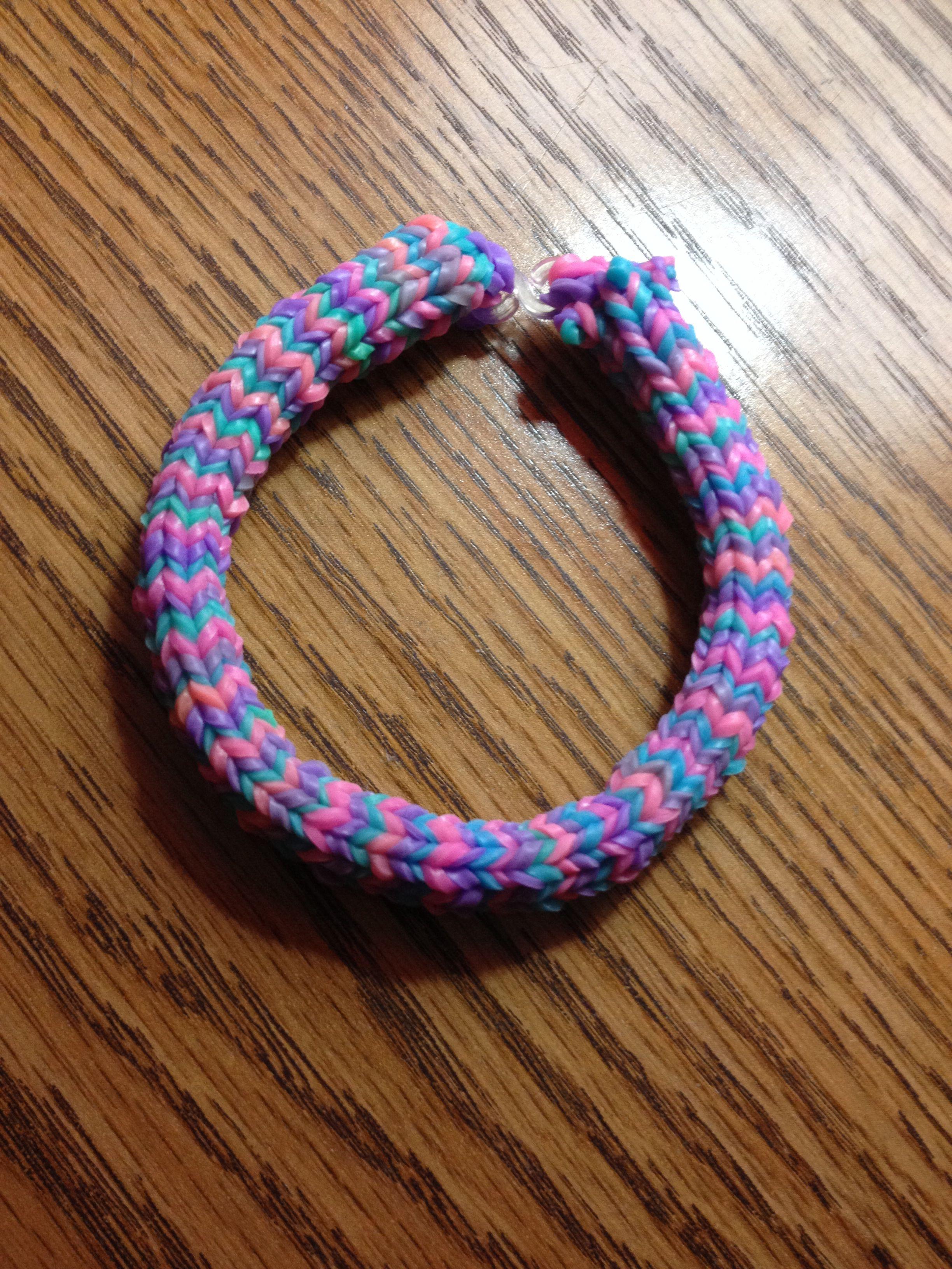Rainbow Loom Hexafish Bracelet