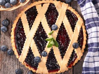 Blueberry Pie Recipe: Try 'Pioneer Woman' Ree Drummond's Scrumptious Blueberry Pie Recipe - The List TV