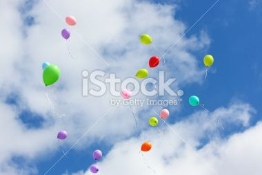 Colorful balloons in the sky - wall mural idea