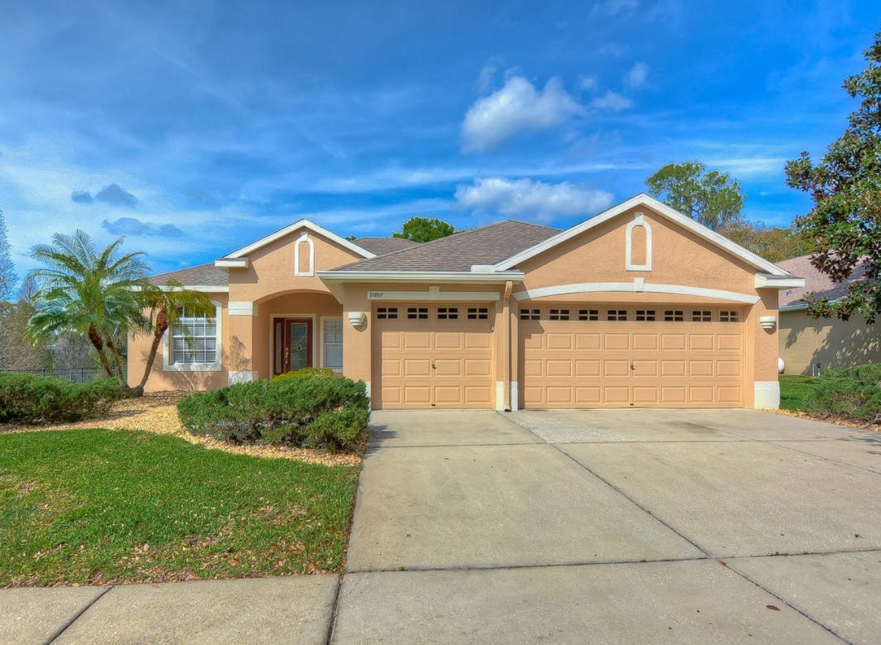 Homes For Sale in Riverview, Florida Walk in pantry