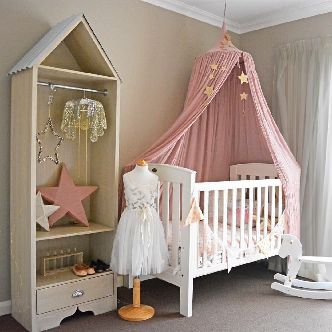 Featured products by canopy in dusty pink falling star garland in gold star lanterns in dusty pink and white! & Lovely styling for a girl room! Featured products by Numero74 ...