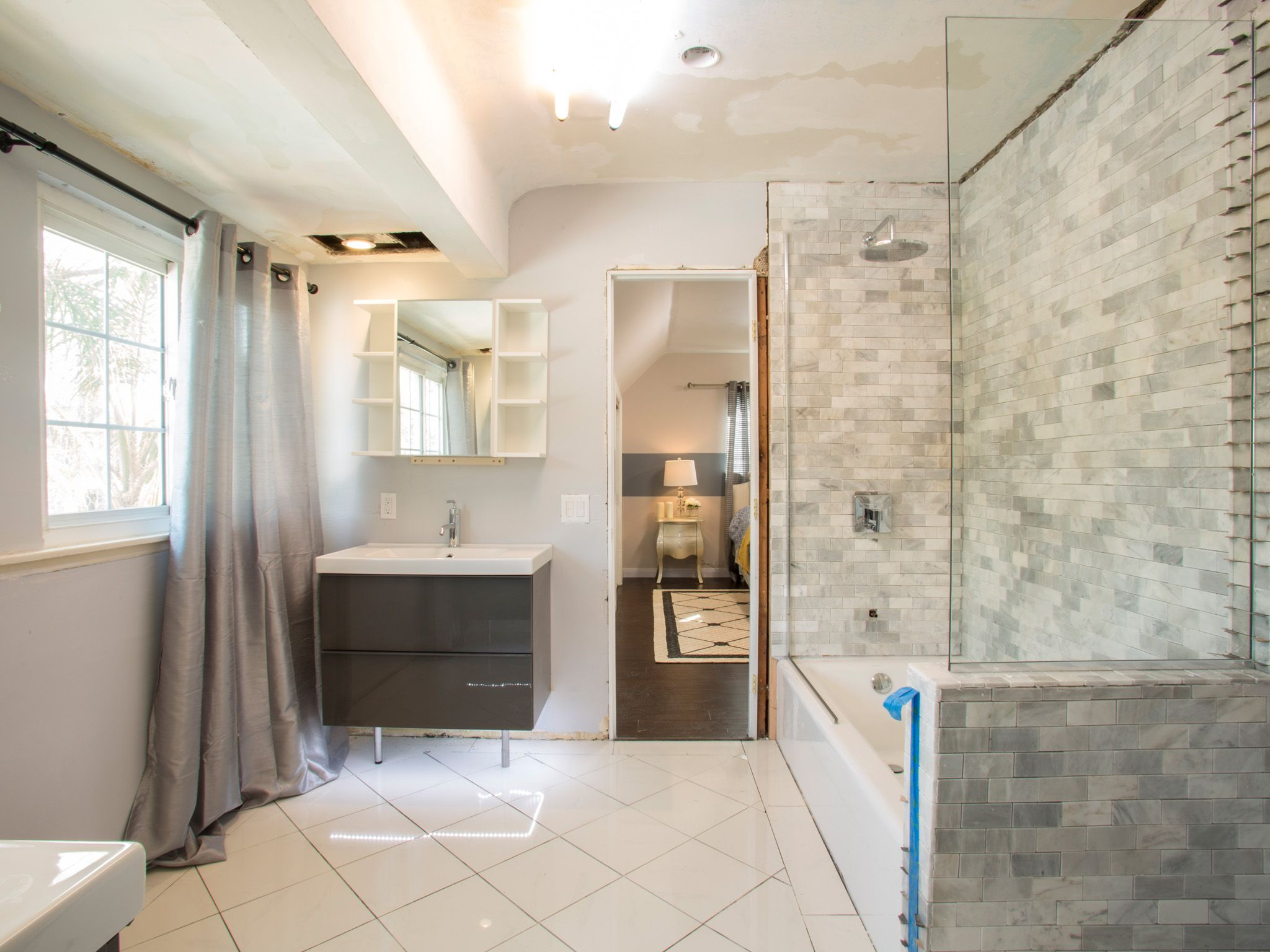 bathroom remodel videos. Bathroom Makeover Ideas, Pictures \u0026 Videos | HGTV Remodel G