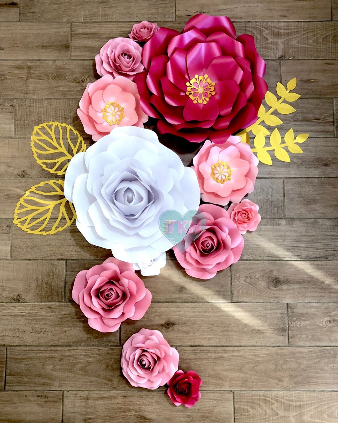 Our Customized Paperflowers In Diffe Shades Of Pink Teamkunatcrafts Paperflowerwall Paperroses Paperrose