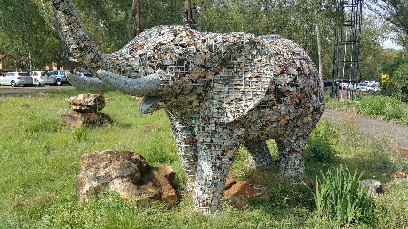 Gabion Elephant With Images Interesting Art Lion 400 x 300