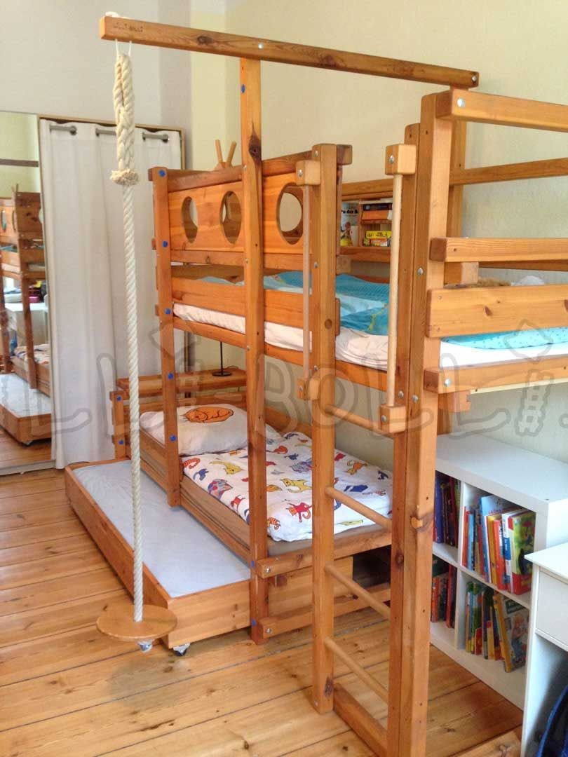 bunk bed laterally staggered billi bolli kids furniture jero in 2018 pinterest. Black Bedroom Furniture Sets. Home Design Ideas