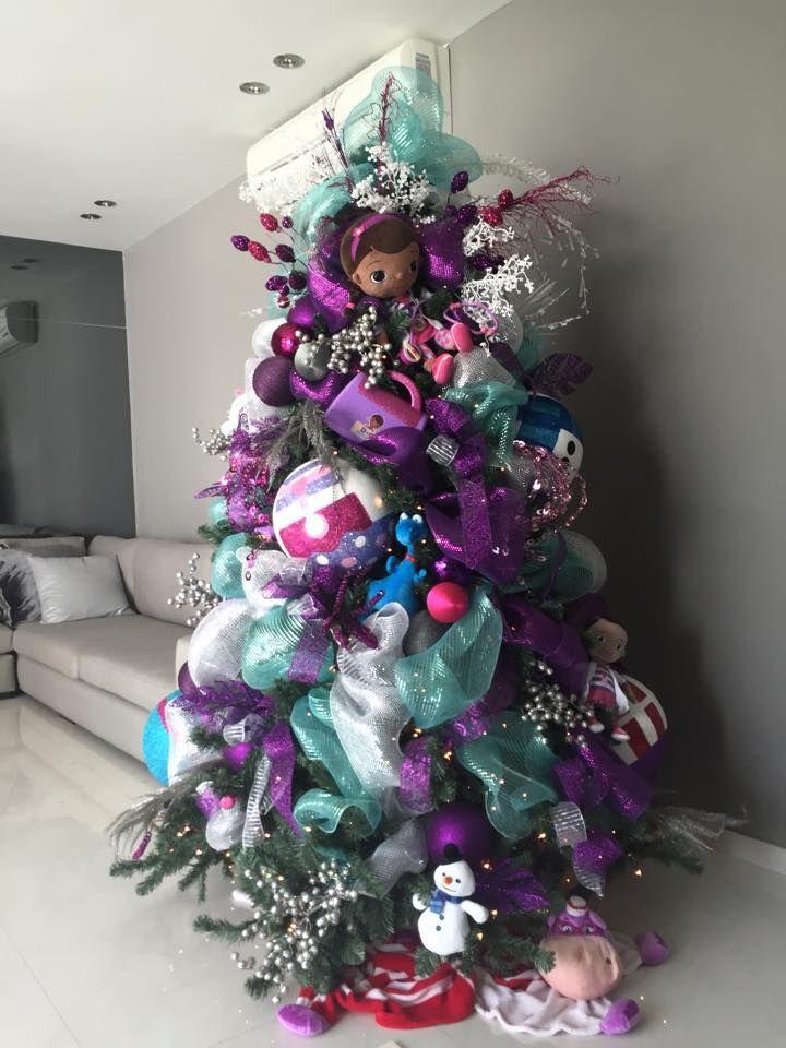 Pino de navidad infantil doctora juguetes simple navidad - Decoracion de arboles navidenos para ninos ...