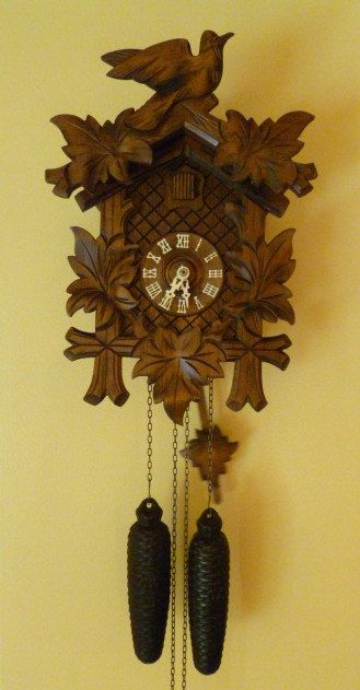 Vintage day on off switch cuckoo clock carved
