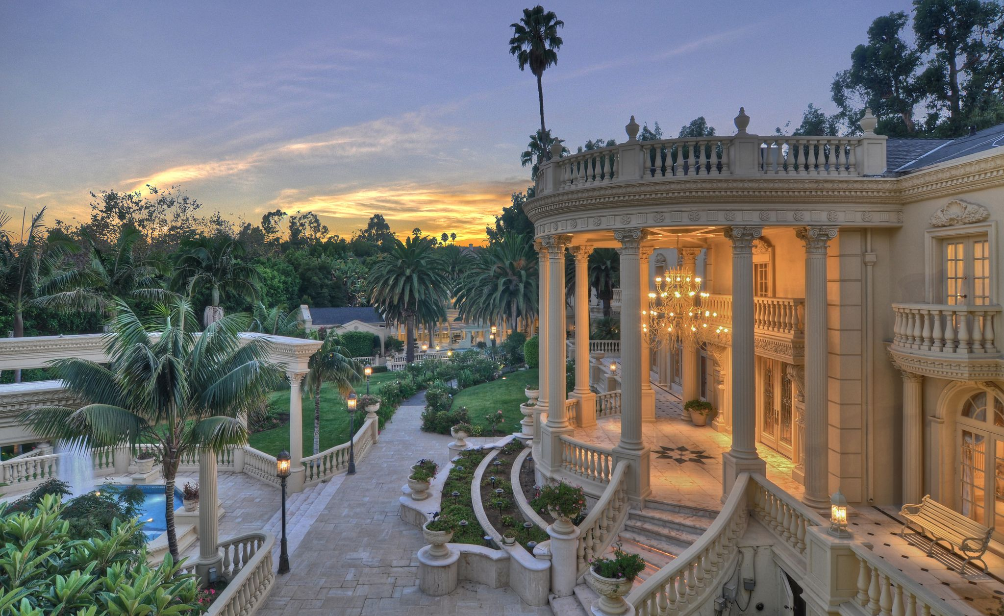 Beverly Hills Luxury Real Estate