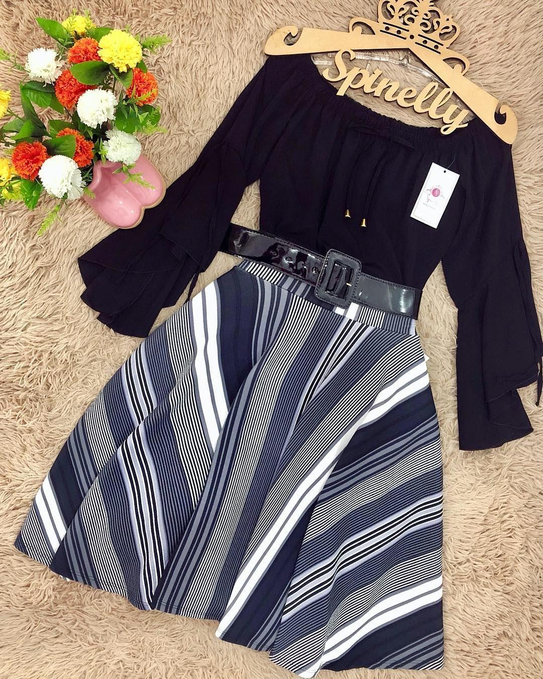 01e4e2160 Spinelly Store 👗 Bom Sábado, Moda Evangelica, Roupa, Feminino, Calças  Listradas,