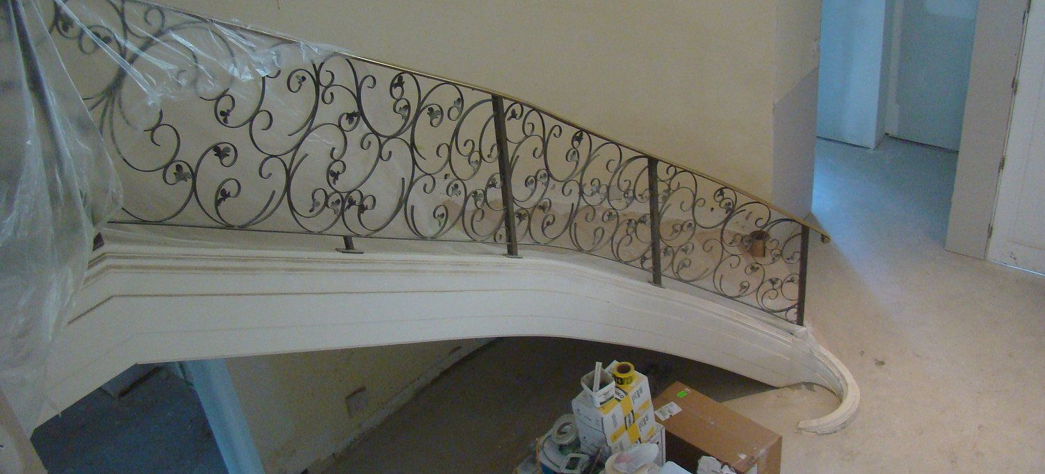 Best Bronze Cap Railing In West Vancouver This Curved 400 x 300