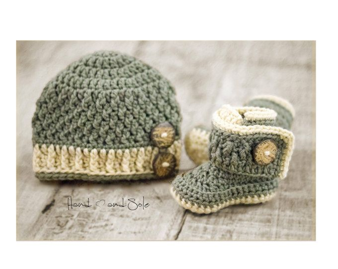 Learn how to make this Baby Boy Hat and Booties Set with this ...