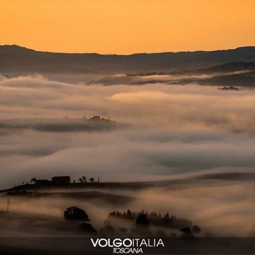 Toscana: #L'alba #autunnale in #Val d'Orcia (SI) Fot... (volgotoscana) (link: http://ift.tt/2dLSrue )