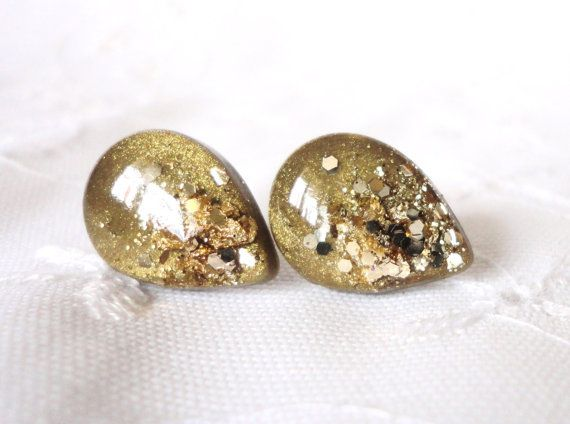 Hey, I found this really awesome Etsy listing at https://www.etsy.com/listing/192447491/gold-and-gold-leaf-tear-drop-studs