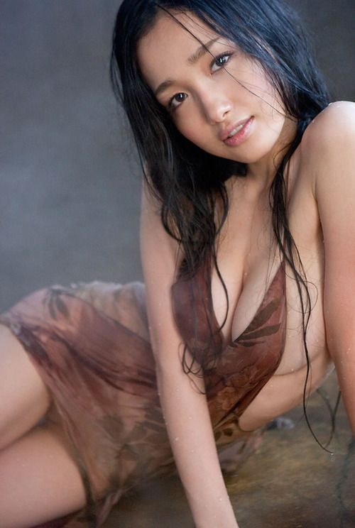 sexy wet Hot asian girl