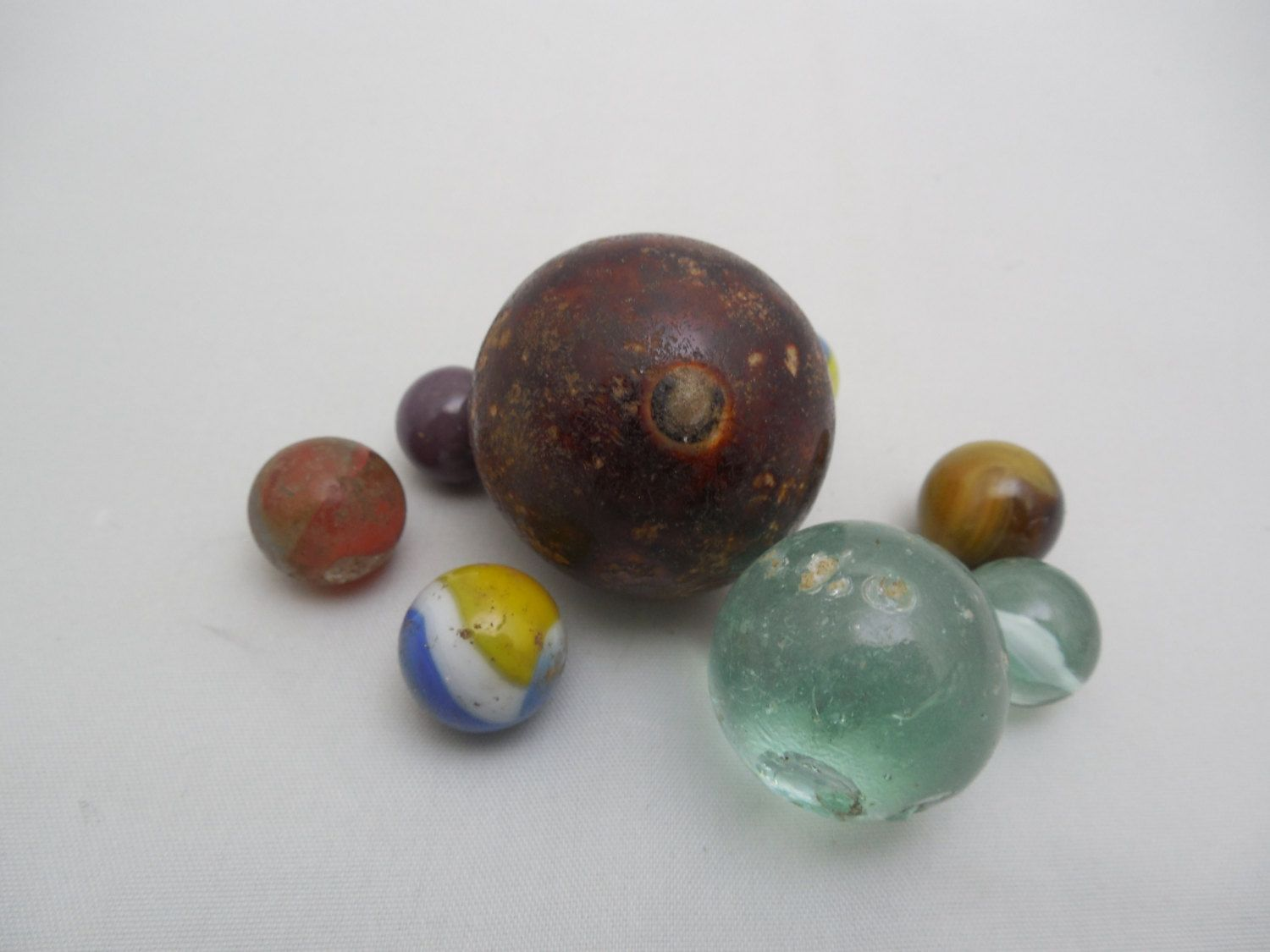 Vintage Marbles 1 1 2 To 1 2 Clay And Glass Etsy Glass Marbles Decor Glass Dishes
