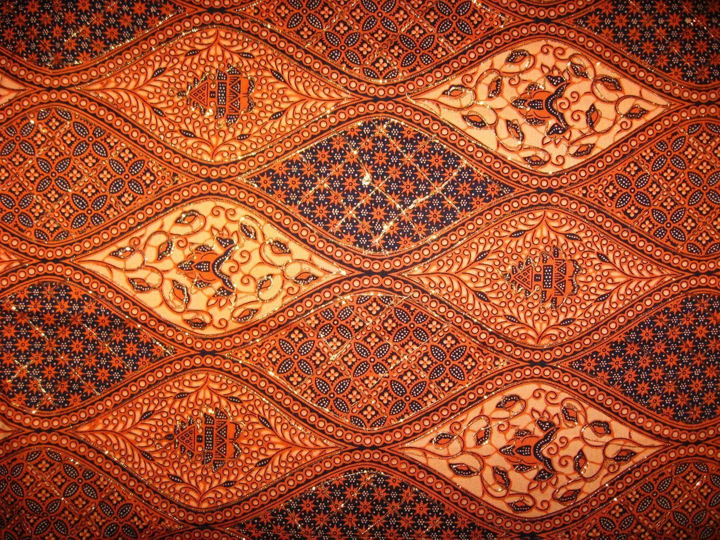 Jadi kesenian batik ini di Indonesia telah dikenal sejak zaman