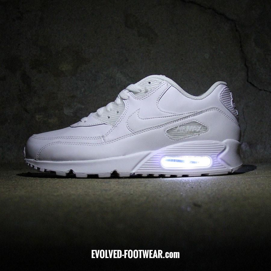 TRIPLE WHITE NIKE AIR MAX 90 WITH LED