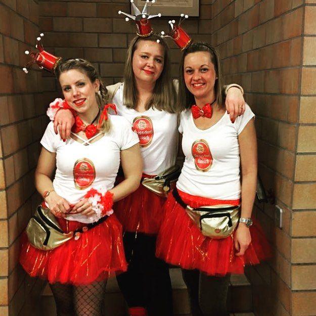 "️ Tamara ️ on Instagram: ""We ️ #karneval ! #reissdorf #karneval2018 #kölschkostüm #kölle #cologne #karnevalskostüm #kölschemädche #kölsch #carnival #iloveit"""