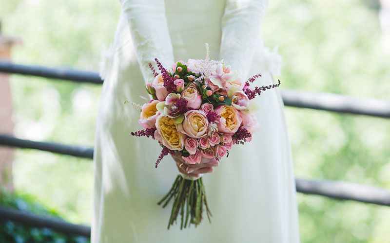 Ramos de Novia / Wedding Bouquets #astilbebouquet roses and astilbe bouquet