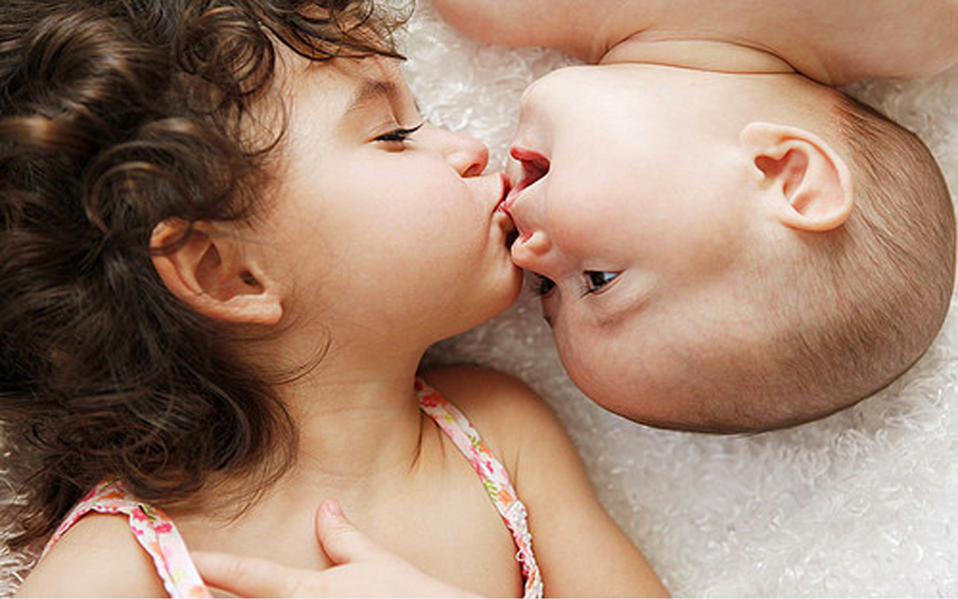 Babies Kissing Wallpapers HD Free Wallpaper Download 1920x1080 Baby Kiss Images 30