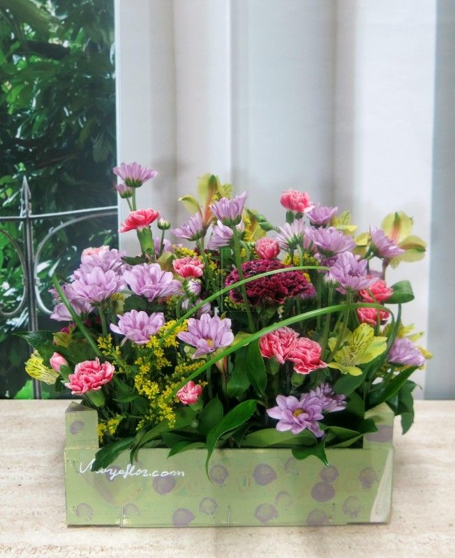 Caja de madera con flores recicladas a mano nicas e - Cajas de madera recicladas ...
