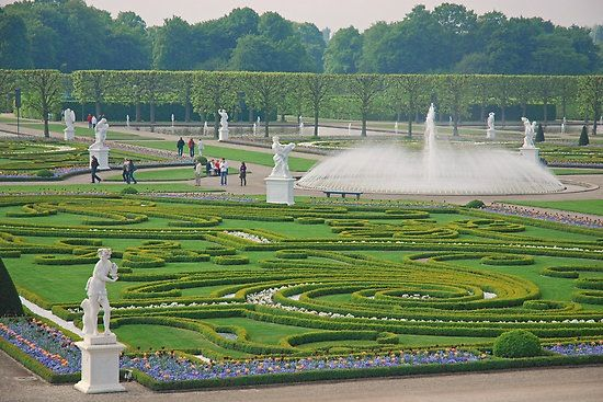Niki Saint Phalle S The Royal Herrenhausen Garden Stunning Parkanlage Weltreise Garten