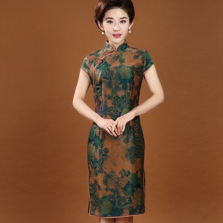 5815bf32dfdb Click to Buy    100% Silk Traditional Chinese Women s Cheongsam ...