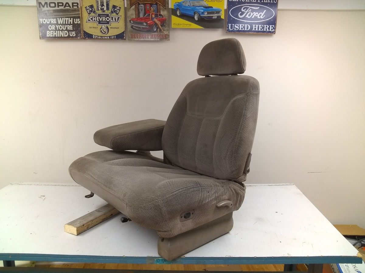 1995 1996 1997 1998 Gmc Sierra 1500 Extended Cab Split 60 40 Bench Style Seats Seat Tracks Seat Cushions Driver S 6 In 2020 Extended Cab Gmc Sierra 1500 Seat Cushions