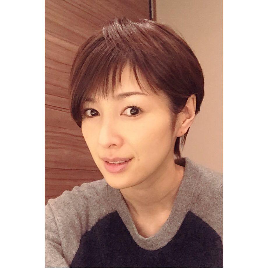 吉瀬美智子のショートヘア 髪型 切り方オーダー 40代ヘアスタイル