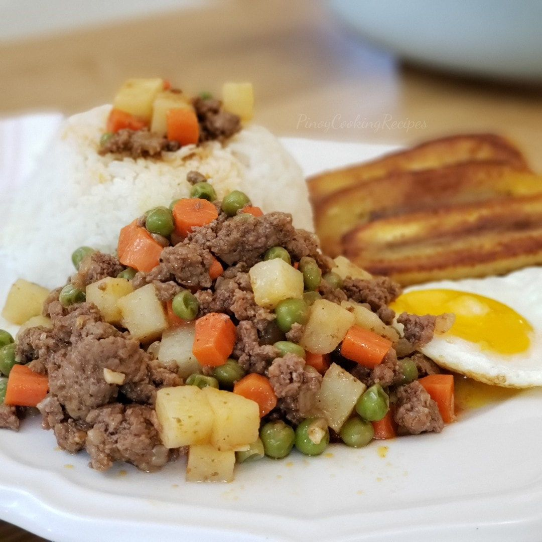 Filipino Style Picadillo A Simple Stir Fried Ground Beef In Tomato Sauce And Vegetables With M In 2020 Beef Giniling Recipe Recipes With Ground Pork And Beef Picadillo