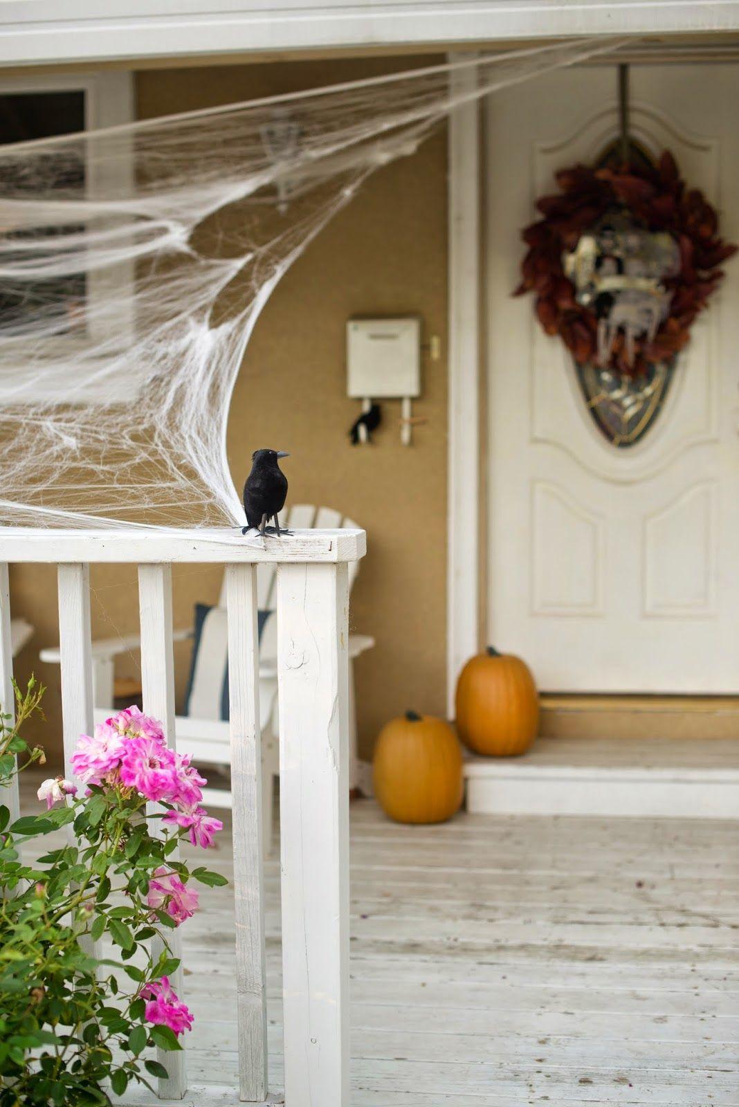 Spiderwebs and Black Birds: Halloween Porch Decor