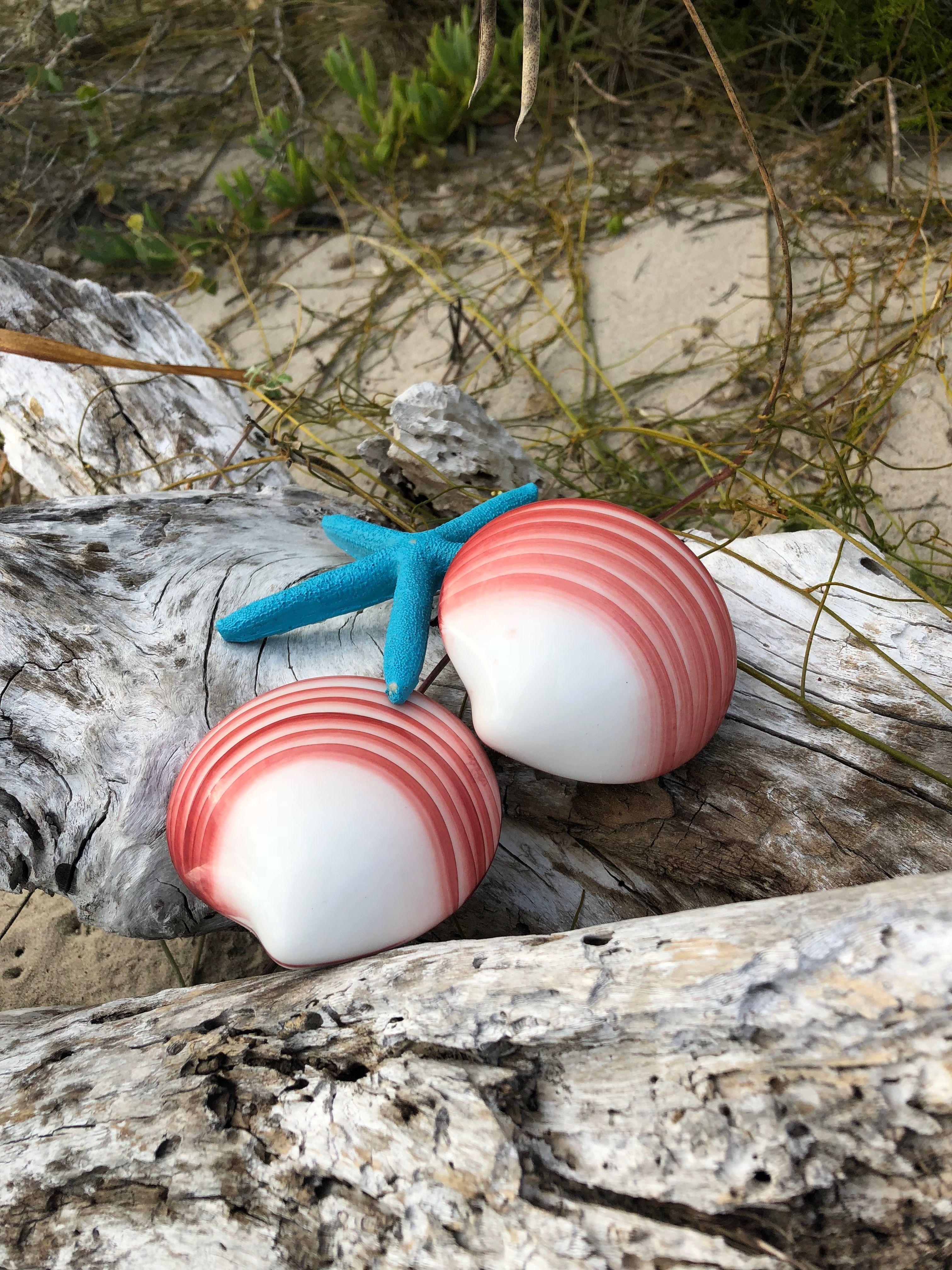 Lava shell massage on the beach lava shells massage